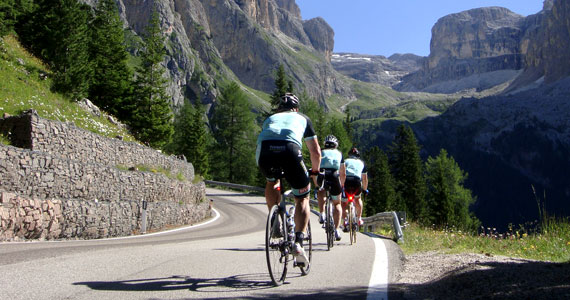 Topbike riders in the Dolomites - Classic Italian Climbs