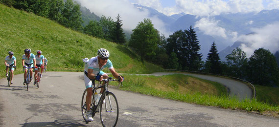 Topbike on Tour  - Riding in the French Alps
